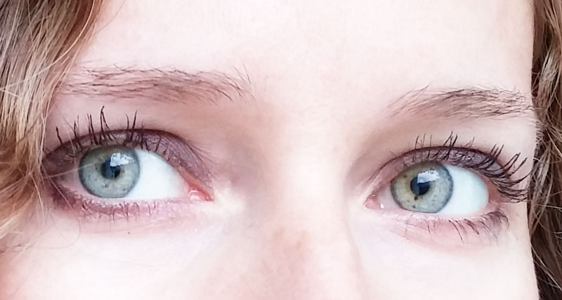 YEUX-CHANEL